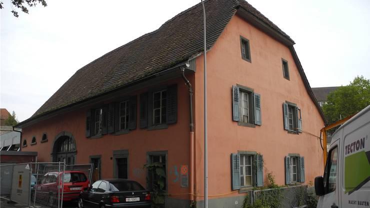 Das Rote Haus soll in ein Beratungszentrum umgebaut werden.