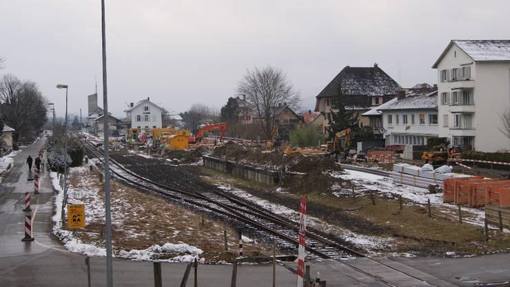 Bahnhofareal Ost in Büren: Heute Baustelleninstallationsplatz und in Zukunft ein Lebensmittelshop mit Bistro? sl