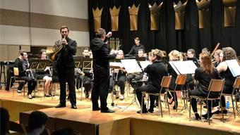 Solist Pascal Deuber präsentierte mit der Harmoniemusikgesellschaft meisterliche Klänge zu «Cape Horn». Markus Müller