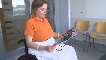 Noch im Spital: Zwei Tage nach dem Unfall sieht Marianne Englert zum ersten Mal die Bilder von dem Crash.