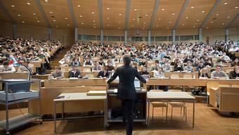Die Schweiz solle wieder vollassoziiertes Mitglied vom Programm Erasmus+ werden.
