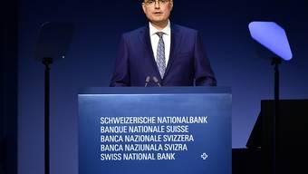 Die Schweizerische Nationalbank (SNB) unter ihrem Chef Thomas Jordan ersetzt bei ihren geldpolitischen Entscheiden das bisherige Zielband für den Dreimonats-Libor neu durch einen SNB-Leitzins. (Archivbild)