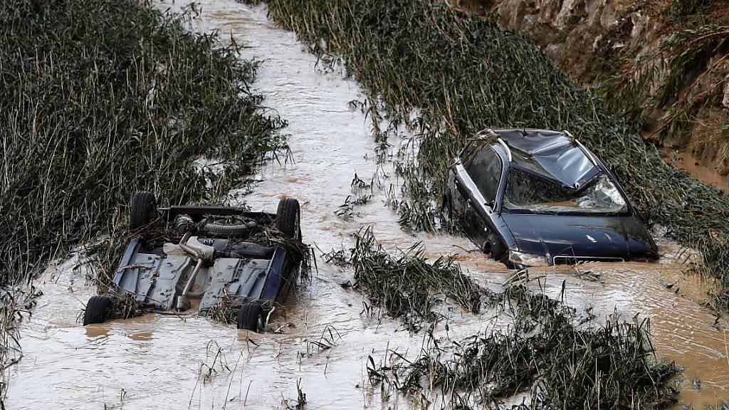 In der nordspanischen Region Navarra haben Überschwemmungen schere Schäden angerichtet. In der Gemeinde Tafalla trat der Fluss Cidacos über die Ufer.