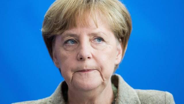 Merkel ist erzürnt, will aber keinen Bruch mit den USA