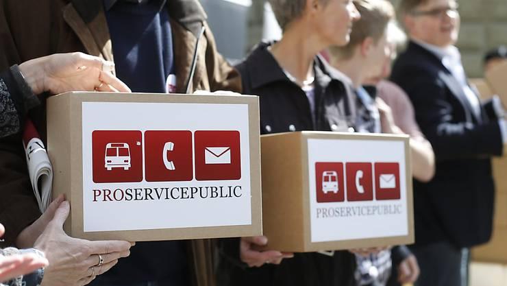 """Das Volksbegehren """"Pro Service public"""" sorgt bei Grossunternehmen für einen internen Kampf."""