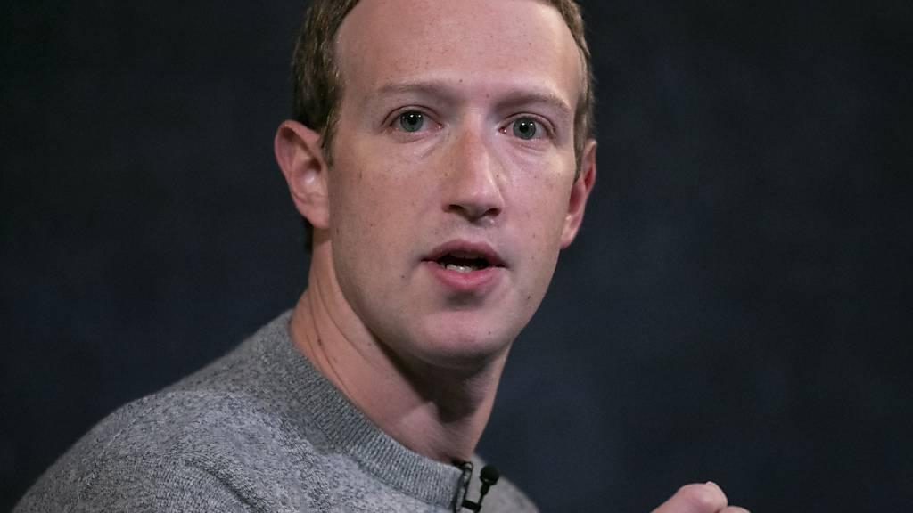 Facebook-Chef Mark Zuckerberg ist überzeugt, dass langfristig jeder zweite Bürojob von Zuhause aus erledigt werden wird. (Archivbild)