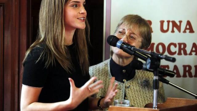 Emma Watson spricht zu den Parlamentariern in Montevideo