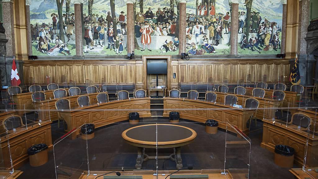 Der Ständerat entscheidet am ersten Tag der Session über die umstrittene Sicherheitshaft für Dschihad-Rückkehrer.