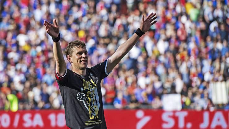 Auch wenn er beteuert, seinen Abschied noch nicht beschlossen zu haben, könnte Fabian Frei am Sonntag ein letztes Mal als Spieler des FC Basel seinen fans im Joggeli zuwinken.