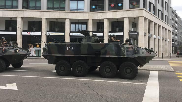 Zwischen dem 9. und 14 August verkehrten im Raum Freiamt, Birrfeld und Wasserschloss gepanzerte Fahrzeuge auf den Strassen.