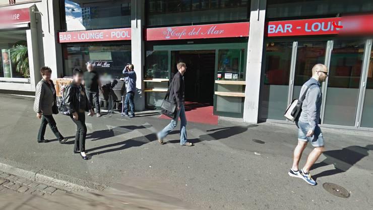 Die beiden stritten vor der Bar Café del Mar bei der Heuwaage.