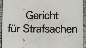 Dem Serienvergewaltiger wird in Basel der Prozess gemacht.
