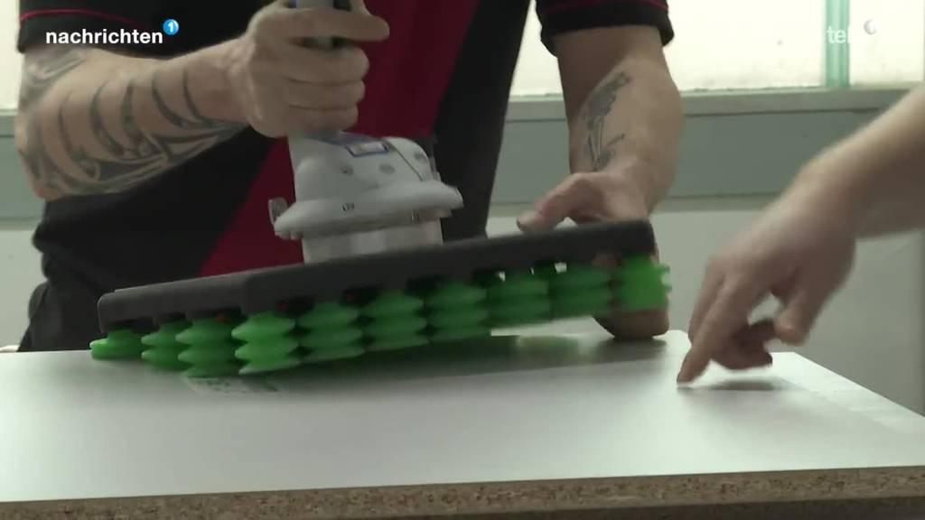 Luzerner Küchenbauer will mit Mega-Maschine Arbeitsplätze sichern