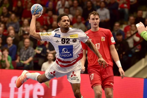Raul Santos – hier bei der EM im Spiel gegen Tschechien – war beim TVE im Gespräch.