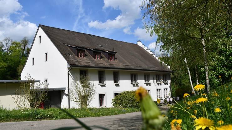 Das Restaurant Müli in Mülligen liegt etwas abgelegen direkt an der Reuss. Geführt wird es von Tessa Schneider.