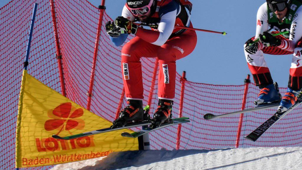 Ryan Regez (vorne) fährt am Tag nach seinem ersten Weltcupsieg auch im zweiten Rennen in Feldberg aufs Podest. Der Berner Oberländer wird Dritter