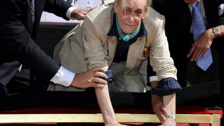 Peter O'Toole verewigt sich am Hollywood Walk of Fame 2011.