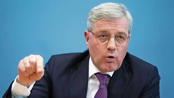 Ihn hatte niemand auf der Rechnung: CDU-Aussenpolitiker Norbert Röttgen will Parteichef werden.