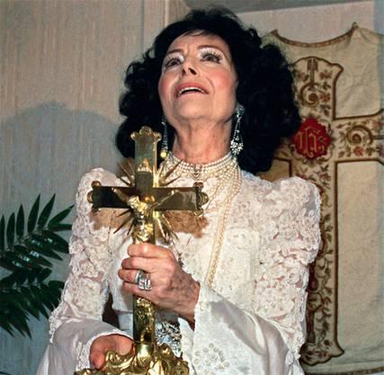 So kannte man die Verstorbene, die sich selbst für das Sprachrohr Gottes hielt. Ein Bild aus dem Jahr 1999.