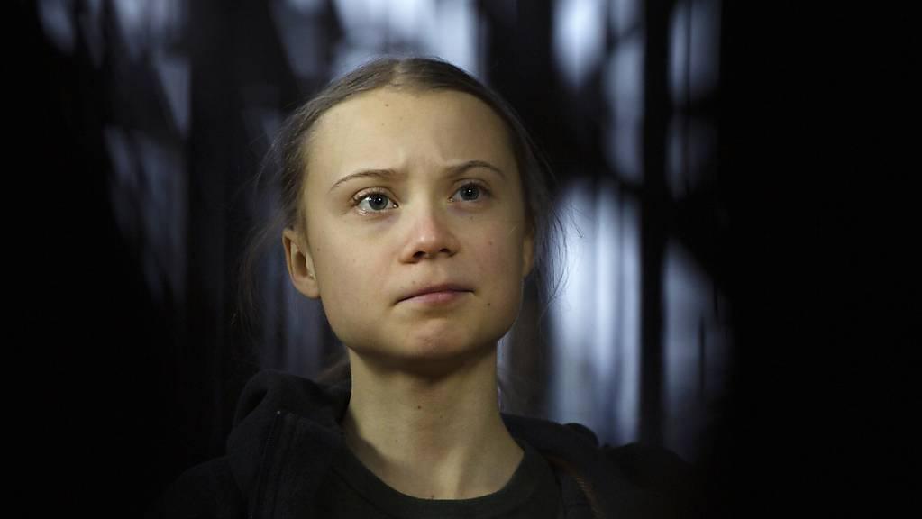 Klimaaktivistin Greta Thunberg davon aus, dass sie sich mit dem Coronavirus angesteckt hat.