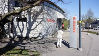 Die Raiffeisen-Filiale in Gerlafingen bleibt als eine des Verbunds «Untere Emme» erhalten.Urs Byland
