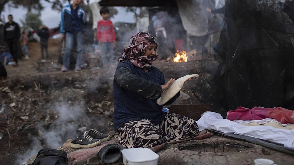 Schweiz liefert 600 wintertaugliche Zelte nach Lesbos