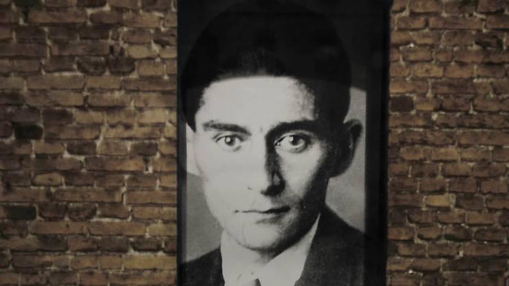 Seine Schriften gehören jetzt der israelischen Nationalbibliothek: Autor Franz Kafka. (Archivbild)