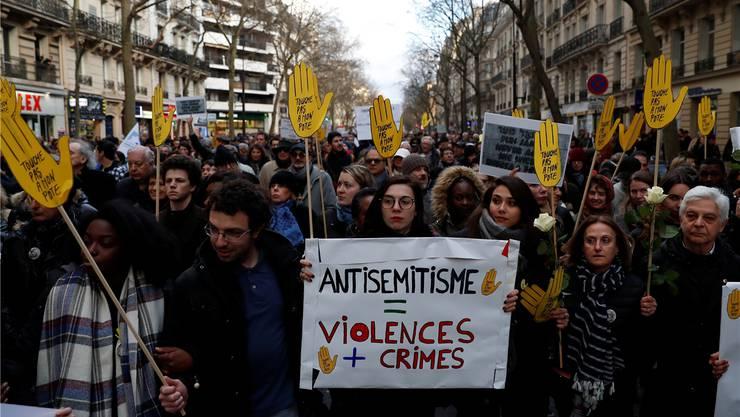 Protestmarsch gegen Antisemitismus in Paris. Gonzalo Fuentes/Reuters