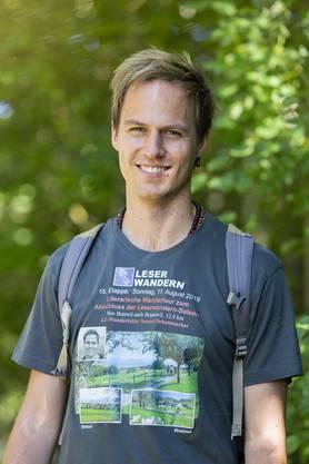 Tolles Erinnerungsstück: AZ-Wanderleiter Samuel Schumacher erhielt vom treuen Wanderer Werni dieses T-Shirt geschenkt.