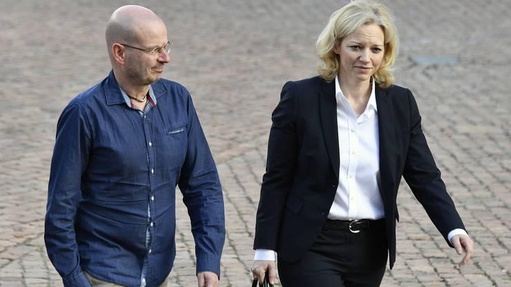 Staatsanwaeltin Barabara Loppacher und Markus Leimbacher, Anwalt der Angehörigen, vor dem Aargauer Obergericht beim Berufungsprozess zum Vierfachmord von Rupperswil.