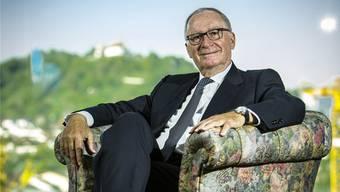Rolf Schäuble, hier in seinem Haus in Lenzburg, wünscht sich weniger Parteisoldaten und mehr Unternehmer in Bern.