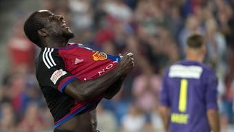 Basels Torjäger Seydou Doumbia feiert seinen Treffer - kann er das bald auch in der Königsklasse?