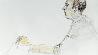 Der Angeklagte Daniel H. vor dem Bezirksgericht Baden im Gemeindesaal in Untersiggenthal (Archiv)
