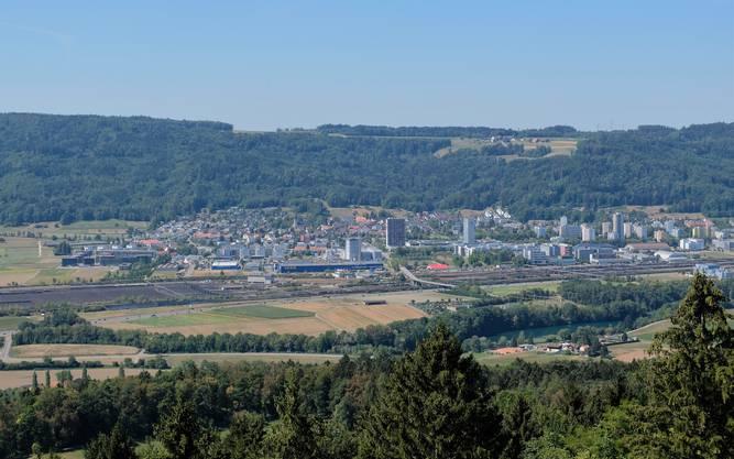 Künftig könnte die Autobahn hier in Spreitenbach abzweigen und durch den Heitersberg führen. Im Moment zieht sie sich der Limmat entlang bis nach Neuenhof und dort durch den Baregg-Tunnel.