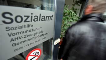 Der Türke bezieht seit mehreren Jahren Sozialhilfe – nun muss er die Schweiz verlassen. (Symbolbild)