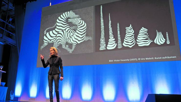 Katja Gentinetta ist überzeugt, dass die künstliche Intelligenz den Faktor Mensch nicht zu schlagen vermag.