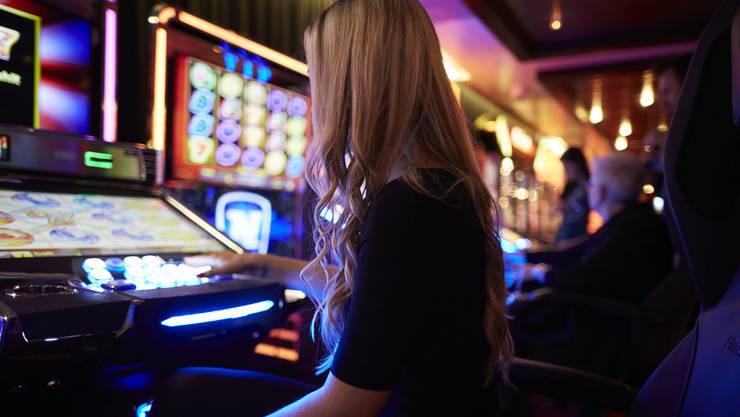 Eine Frau wurde am Sonntagnachmittag in Zürich Gewinnerin des grössten europäischen Automaten-Jackpots. (Symbolbild)