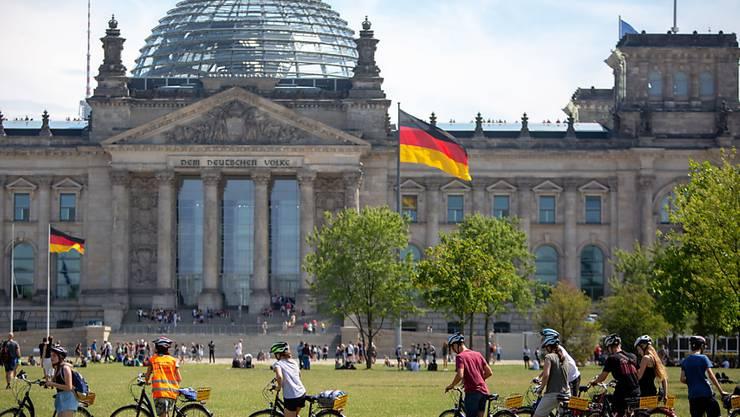 Die AfD hat die SPD in einer Umfrage in Deutschland vom zweiten Platz der Beliebtheitsskala verdrängt. (Archivbild)