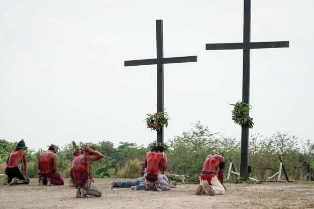 Sie tun das in Erinnerung an die Leiden Jesu.