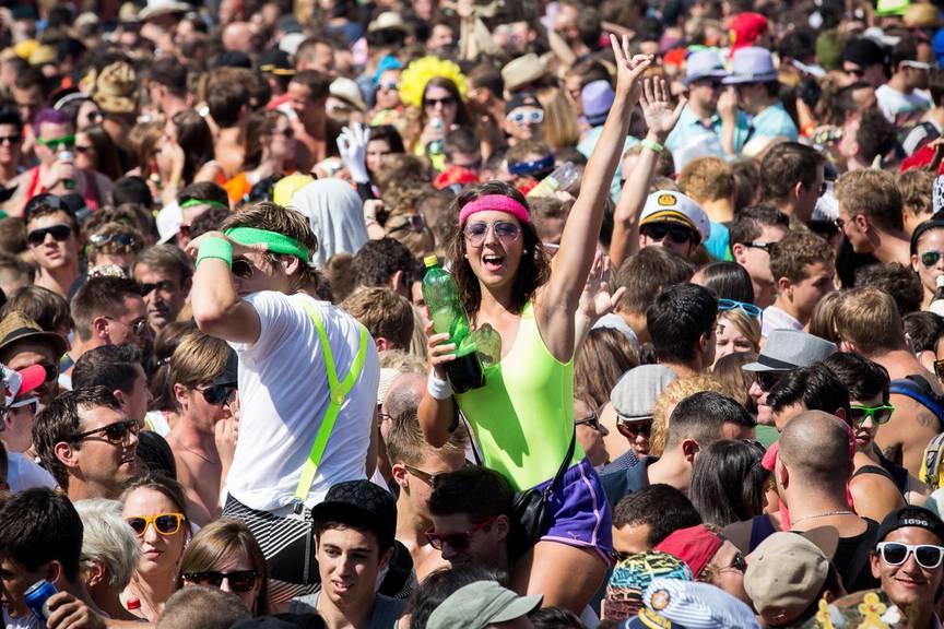 Die Party des Jahres in Zürich. Tausende Menschen treffen sich an der Streetparade. (Bild: pd)
