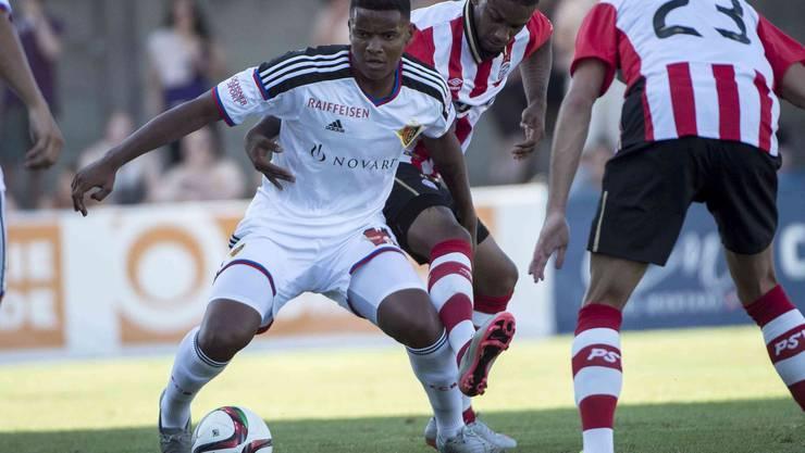 FCB-Neuzugang Manuel Akanji beim Testspiel im Kanton Solothurn.