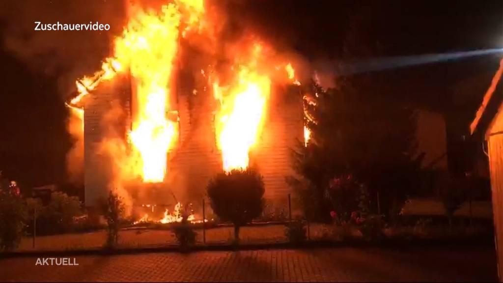 Neurentner stirbt bei Hausbrand in Zufikon