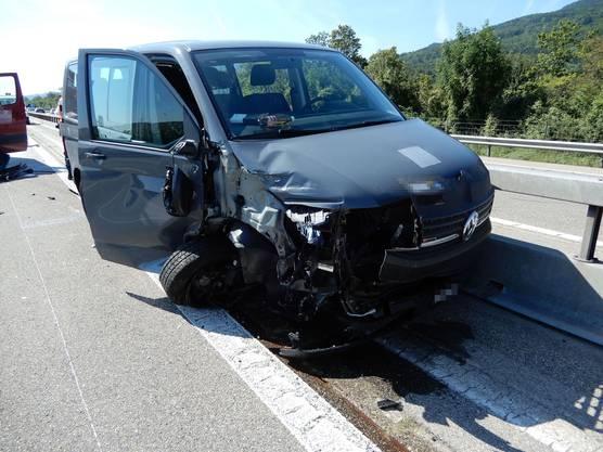 Die Autolenkerin des beschädigten Autos verletzte sich leicht.