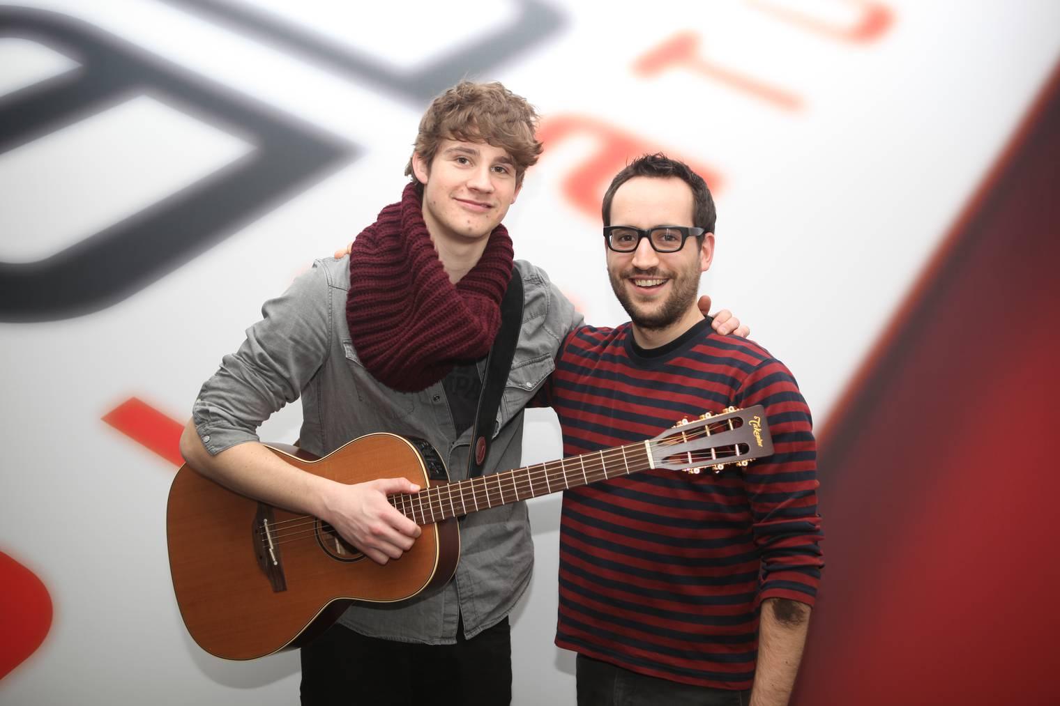 Michi Fankhauser mit Damian Lynn im Radio Pilatus Studio.