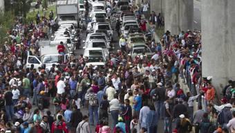 Tausende von Lehrern in den Strassen von Mexiko-Stadt
