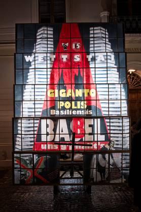 Ein Turm zu Babel – oder doch zu Basel? Die Wettstai-Clique nimmt sich der Gigantopolis basiliensis an. Das Sujet liegt sprichtwörtlich nahe, baut die Roche doch im Wettstein-Quartier.
