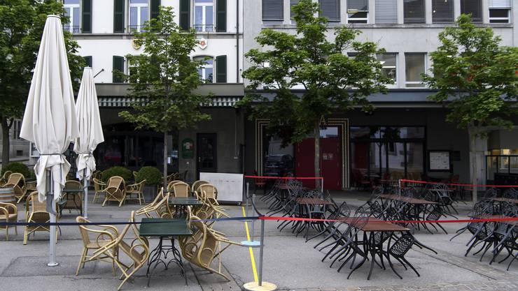 Der Kanton Freiburg schliesst unter anderem Restaurants und Bars.