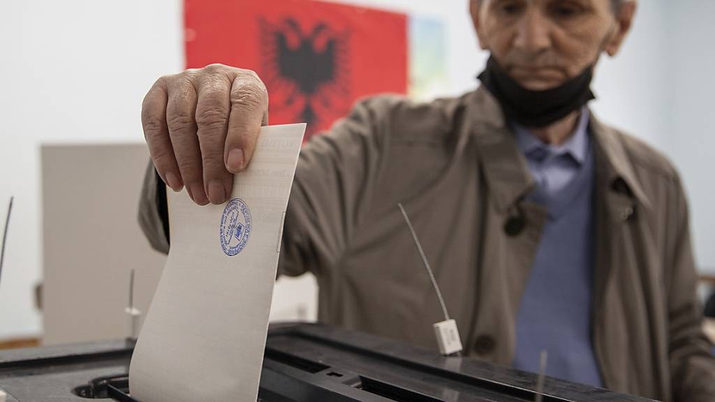 Parlamentswahl in Albanien - Höhere Beteiligung am Horizont