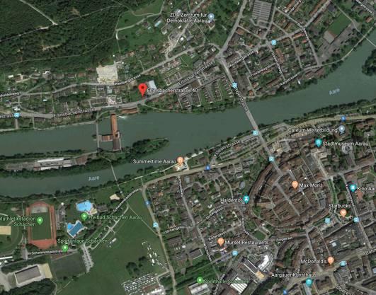 Der Tatort befindet sich an der Erlinsbacherstrasse 40 in Aarau (rot markiert), dem Wohnort des Opfers.