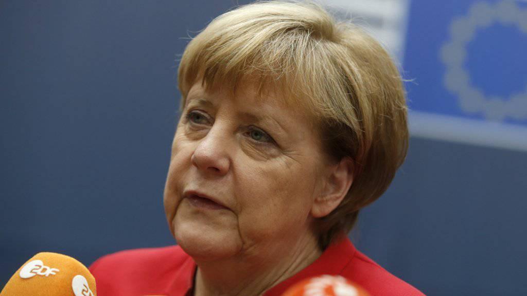 Die deutsche Kanzlerin Angela Merkel hat am Donnerstag vor dem EU-Gipfel gegenüber dem russischen Präsidenten Wladimir Putin wegen seiner Rolle im Syrien-Krieg eine harte und klare Haltung gefordert.